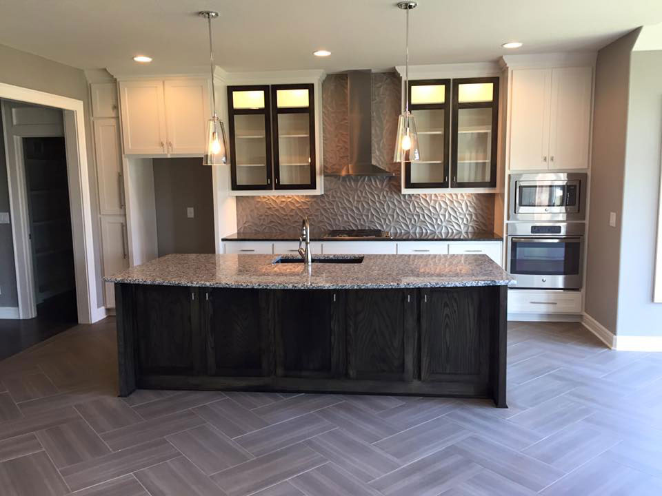 Adding Glass to Your Kitchen Cabinets - What You Need to Know