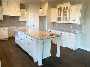 Having Cabinets Installed in Your Farmhouse Kitchen? Follow These Tips